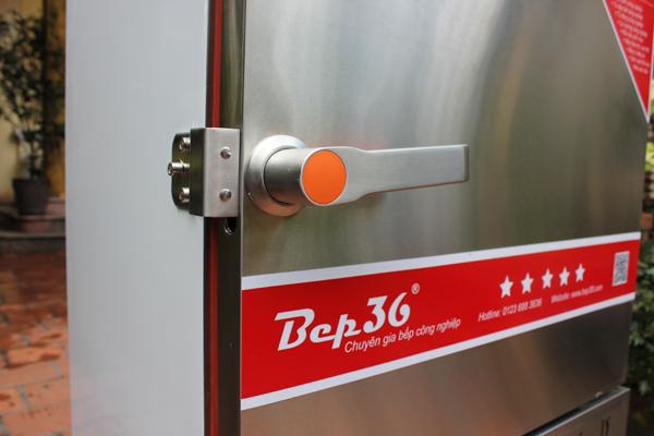 Tay khóa tủ nấu cơm chắc chắn và thuậ tiện sử dụng