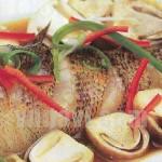 Đổi vị cuối tuần với món cá bống tượng hấp nấm