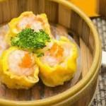 Thưởng thức món dim sum nhân tôm thịt hấp vị Trung Hoa